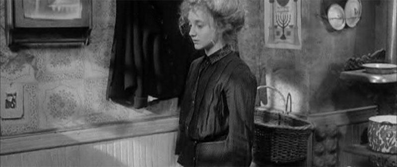 Image from the film HESTER STREET
